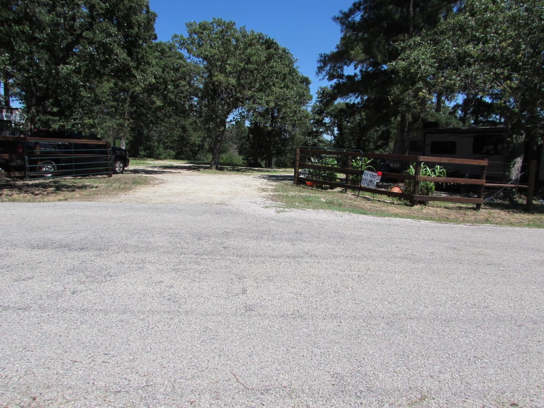 A gravel driveway